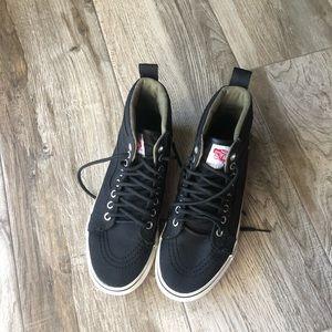 Vans Hightop Black Sneaker